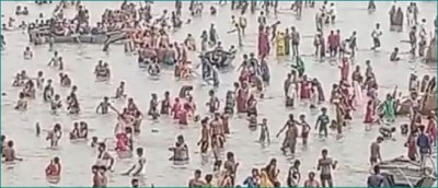 No mask-no social distancing: People  flout corona rules on Ganga Dussehra