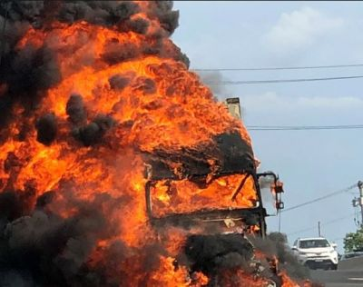 Marble-filled trailer collides with tanker, driver burnt alive