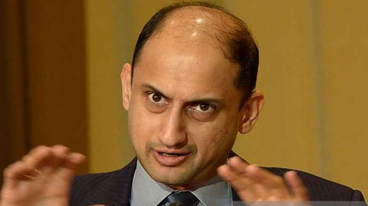 RBI Deputy Governor Viral Acharya resigns, a term going to  end 6 months later