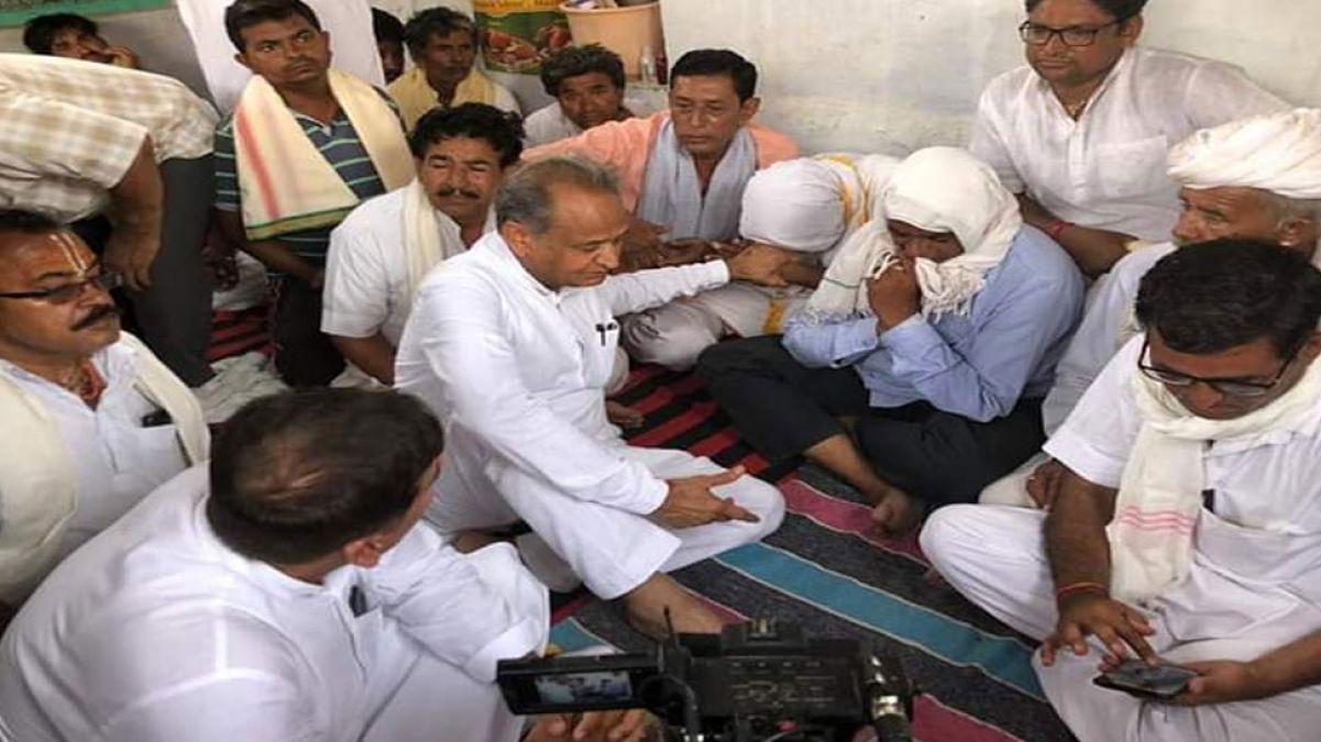 Pandal accident:CM Gehlot meet  family of deceaseds