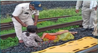 MP: Eight year old girl saves mother from being hit by train