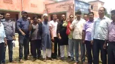 Teachers protest in Bihar, not getting salary form last three months