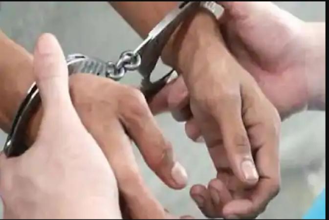 सीमा पार जारी तस्करी के मामले में तस्करों की मदद करने वाले BSF अधिकारी को किया गया गिरफ्तार