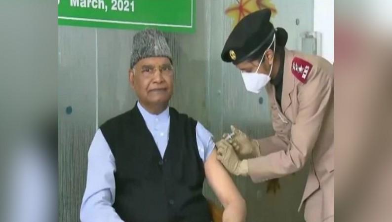 राष्ट्रपति रामनाथ कोविंद ने लगवाई कोरोना वैक्सीन, सरकारी अस्पतालों में लग रहा मुफ्त टीका