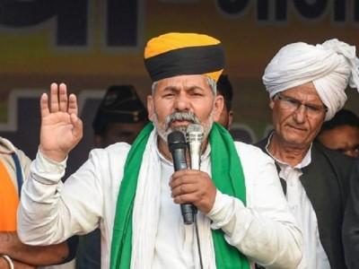 Farmer leader Rakesh Tikat demands corona vaccine for farmers at the agitation site