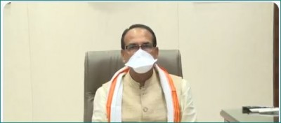 Shivraj Singh Chouhan pays obeisance to CM on Mangal Pandey Sacrifice Day