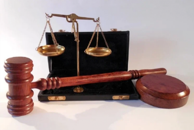 केस दर्ज होने पर बॉम्बे हाईकोर्ट के जस्टिस शिंदे ने वकील जयश्री पाटिल से मांगी मांफी