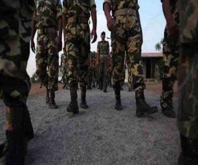 Inspector suspended for arresting CRPF commando