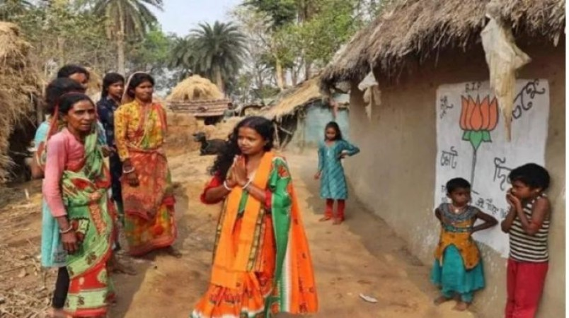 दिहाड़ी मजदूर की पत्नी ने बंगाल में खिलाया कमल, जानिए चंदना बाउरी की कहानी
