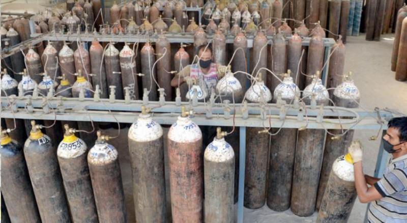 DRDO ने की तेलंगाना की मदद, गांधी अस्पताल को दिए 50 ऑक्सीजन सिलेंडर