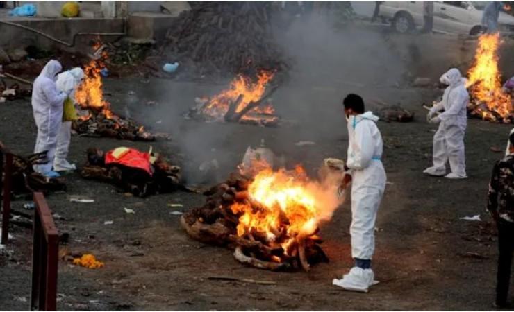 देश में कोरोना का कहर जारी, पिछले 24 घंटों में 3,417 की मौत
