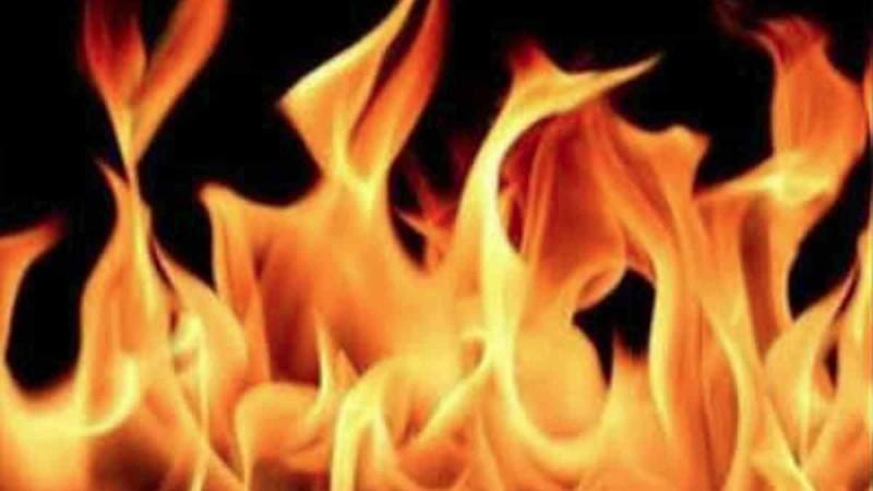 कानपुर में लगी आग, 4 दुकाने जलकर पूरी तरह हुई खाक