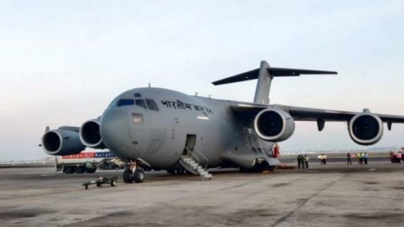 कोरोना काल में 'संकटमोचक' बनी इंडियन एयरफोर्स, देश के कोने-कोने में लगातार पहुंचा रही ऑक्सीजन