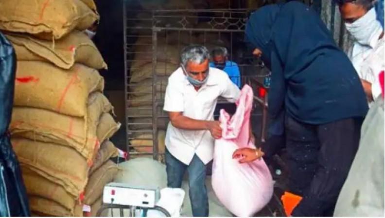 देशभर के 80 करोड़ लोगों को मुफ्त अनाज देगी मोदी सरकार, कैबिनेट मीटिंग में हुआ फैसला
