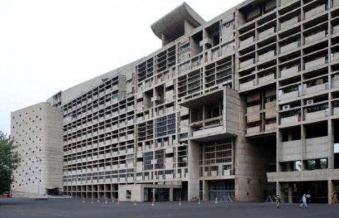 हरियाणा सचिवालय के अचानक निरीक्षण में खुला चौकाने वाला राज