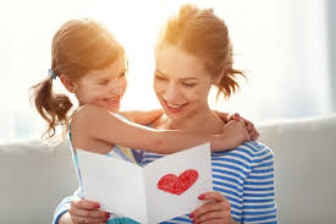 माँ के रिश्ते की गहराई को दर्शाते है ये खास स्टेटस
