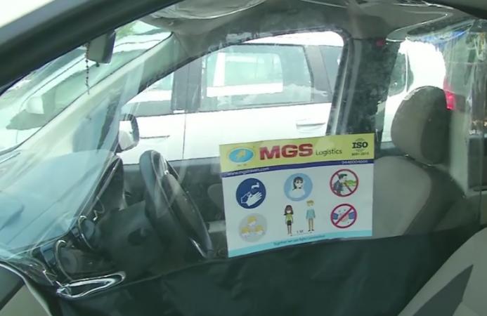 कोरोना से बचने के लिए टैक्सी कंपनी ने किया उपाय, यात्री और ड्राइवर की सीट के बीच लगाया पारदर्शी विभाजन