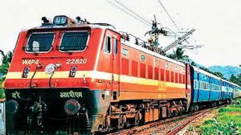 भारतीय रेलवे चला रहा ये समर स्पेशल ट्रेनें, जानिए किन शहरों में कब चलेगी ये ट्रेनें