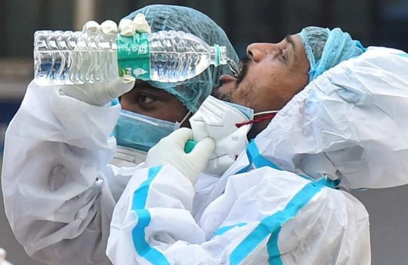 कोरोना काल के बीच आज से 27 हज़ार स्वास्थ्यकर्मियों की हड़ताल, मरीजों का हाल बेहाल