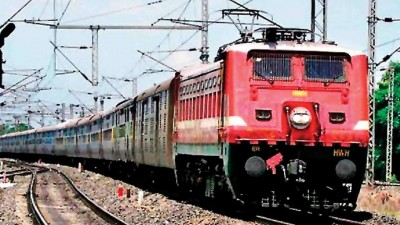 Lockdown: People buying train tickets, website also crashes