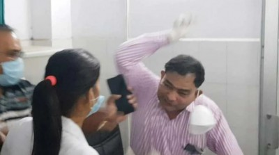 Doctor who was slapped by nurse, his dead body found in suspicious condition in Rampur