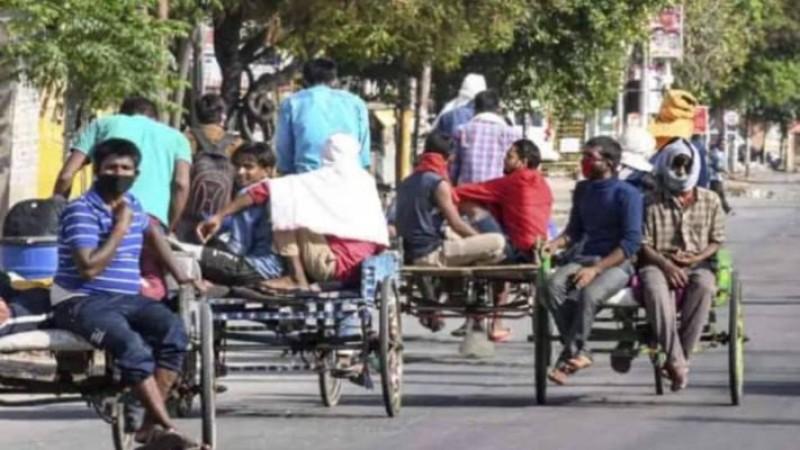 प्रवासी मजूदरों की हालत देख सुप्रीम कोर्ट चिंतित, कहा- उनके खाने-रहने का प्रबंध करे सरकार