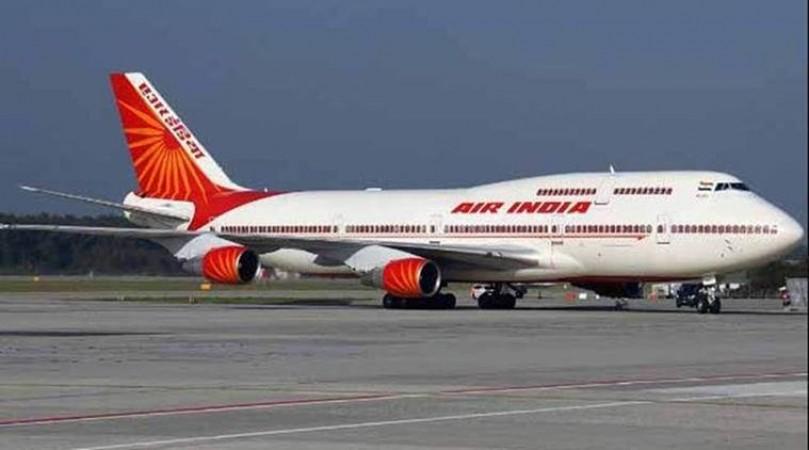विदेश से वापस लौटे बड़ी संख्या में भारतीय, आंखे हुई नम