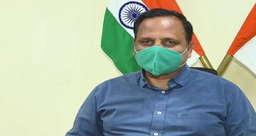 18+ वालों के लिए ख़त्म होने की कगार पर कोविशील्ड, दिल्ली में बंद किए गए टीकाकरण केंद्र
