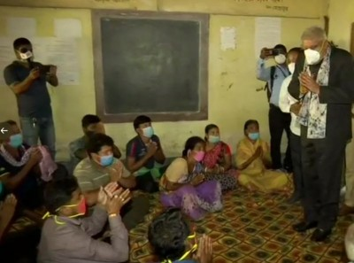 Bengal: Governor went to meet violence-hit family, elderlyman hugged Dhankar and started crying