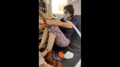 Corona patient in emergency ward sways to SRK song