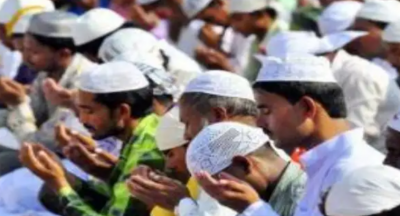 Maharashtra: 50 violators of COVID protocols booked for reading namaz in cemetery