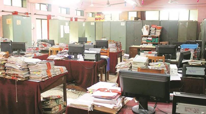 इन लोगों को ऑफिस में काम करने को लेकर सरकार ने दी छूट