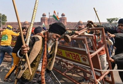 Republic Day violence: Delhi Police files chargesheet, 500 policemen injured