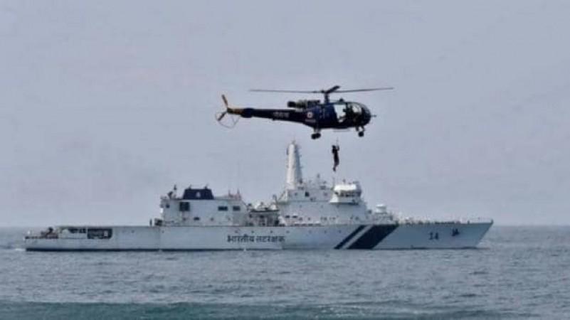 अधर में लटका रक्षा मंत्रालय का प्रोजेक्ट, इंडियन नेवी के लिए बनाए जाने थे 111 हेलीकाप्टर