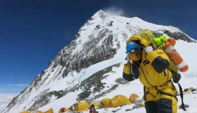 Corona infection reaches to peak of world, cases found in Mount Everest region