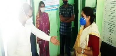 VIDEO: Congress MLA Pratima Kumari insisted on sitting on doctor's chair