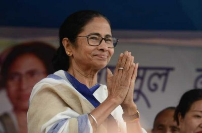 Mamta Banerjee appeals Center to start airline in Bengal after May 30