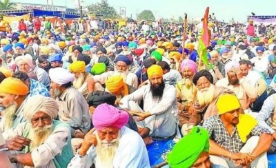 Haryana: Farmers protest against FIR, one farmer died due to heart attack during protest