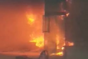 After Tughlakabad, Massive fire breaks out in Delhi's shoe factory