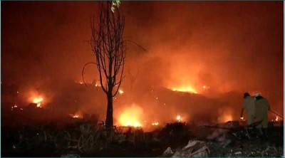 Massive fire brakes out in Delhi at midnight, 1500 slums burnt to ashes