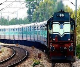 Railway passengers are suffering from hunger and thirst
