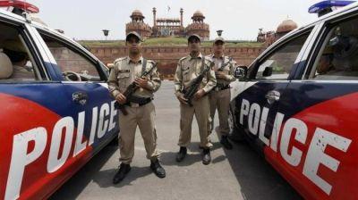 तीस हज़ारी कोर्ट मामला: उपराज्यपाल से मिलीं वकील और पुलिस की टीम, बातचीत जारी