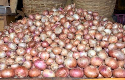 Raid of income tax increased concern of onion traders
