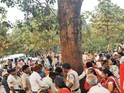 Violence due to miraculous Mahua tree sightings, 12 policemen injured, 5 serious