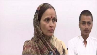 कमलेश तिवारी की पत्नी को मिली जान से मारने की धमकी, उर्दू में लिखा खत मिला