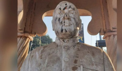 Ex-PM Rajiv Gandhi's statue defaced in Varanasi; Congress cleaned with milk