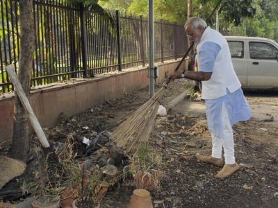Country forgot Father of 'Swacchta Abhiyan', demands this from Government