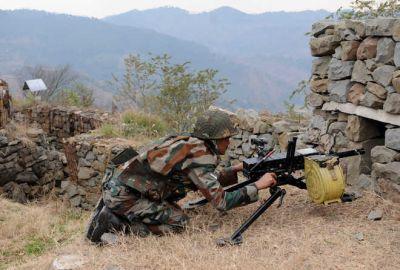 पाकिस्तान की नापाक हरकत जारी, अंतरराष्ट्रीय सीमा और एलओसी पर की भारी गोलीबारी