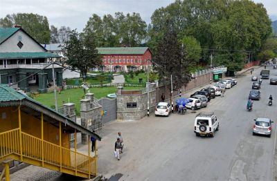 Normal routine in Srinagar, Schools, Colleges and universities opened