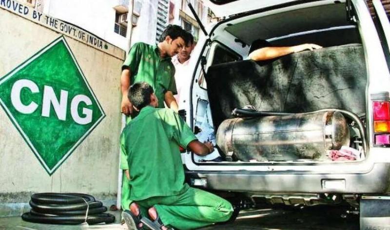 त्योहारों से पहले महंगाई की मार, 8 महीने में पांचवी बार बढ़े गैस के दाम
